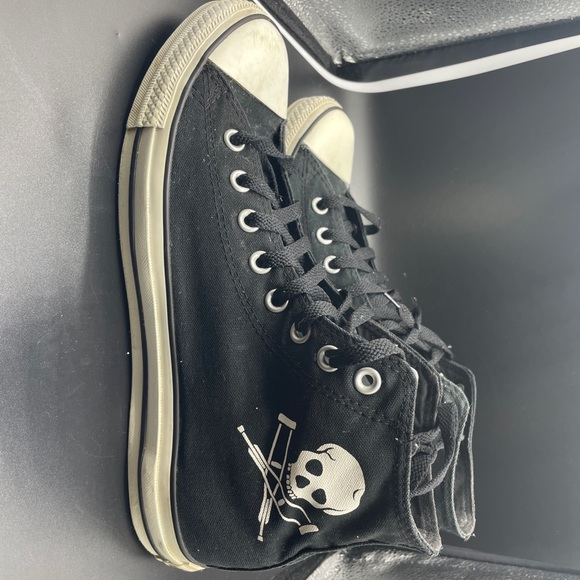 Chuck Taylor High Top Converse Sz 10 Jackass Skull